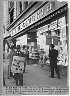 NAACP Pickets Woolworth Store