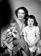 : Mary Anne Lang & Family, Dec 1952
