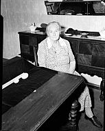 : MRS. R.T. WOODY, 3RD STREET, MADISON HEIGHTS, DECEMBER 3
