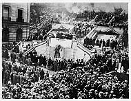 Monument Terrace - Crowd 1920s