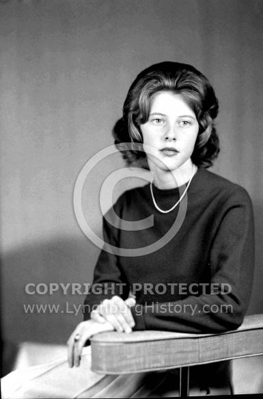 : Miss Donna Sitton, Ragland Rd, Oct 13, 1964