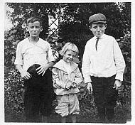Wareen Chesterman, Tom, Giles Engledove