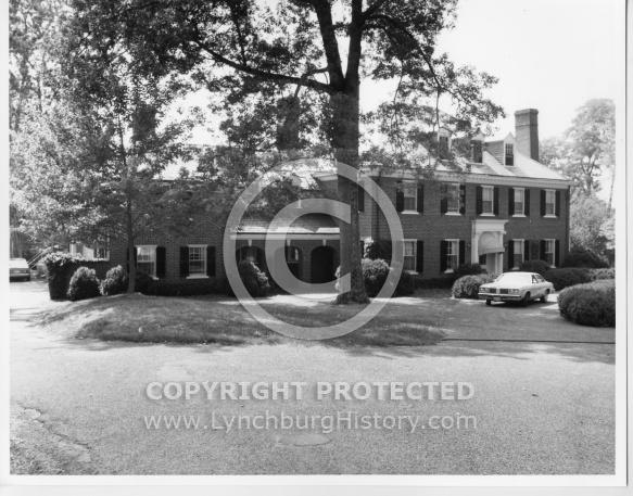 : Rivermont 3115 pres house lhf