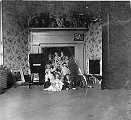 606 Pearl St, Polly's Dolls