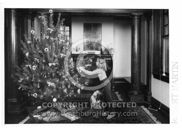 Diamond Hill Historical - Christmas