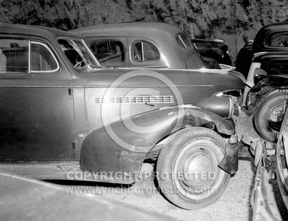 : Harold Singleton - Photos of wrecked car