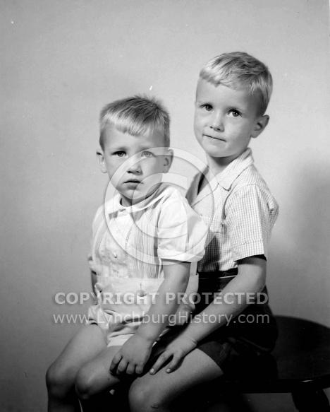: RALPH COLEMAN & 2 CHILDREN, JULY