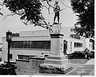 Lynchburg Courthouse - Civil War Statue